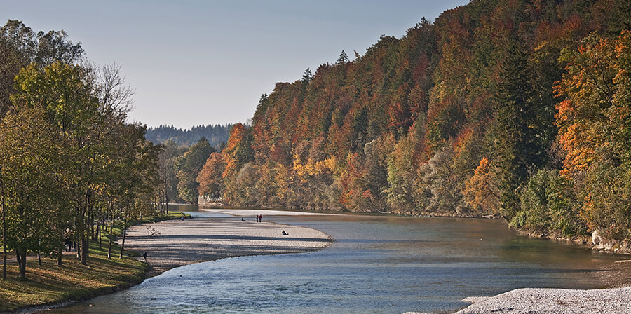 Jogging, cycling at the river Isar